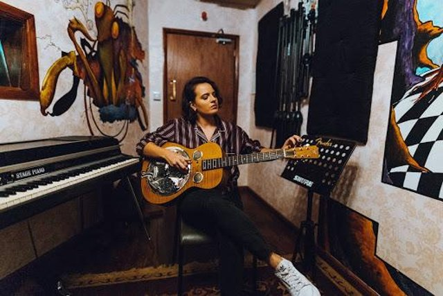 Mansfield singer Georgie releases her album At Home on August 7