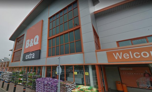 The Sutton-in-Ashfield B&Q was forced to close this morning following a confirmed case of COVID-19.