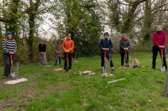 Sam White (Nottinghamshire Tree Planters), Andrew Kordecki, Caroline Kordecki, Cath Sutherland, Judy Moore, Sue Sipple (Nottinghamshire Tree Planters) and Sara Dibben