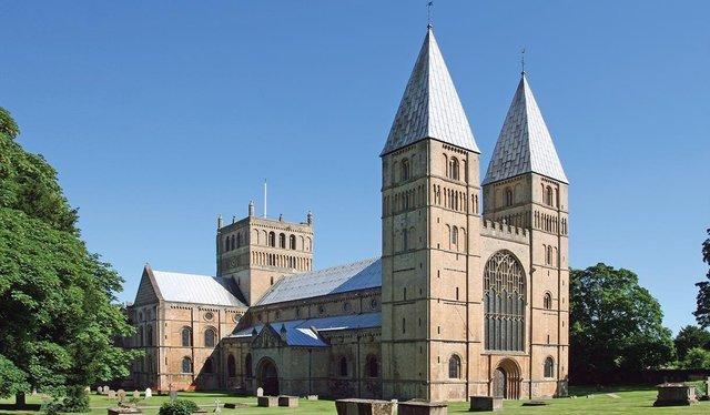 Concerns have recently been raised about rowdy behaviour and littering near the Bishops Drive entrance to the Minster