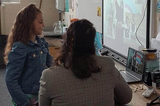 Pupils from Birklands Primary School in Warsop enjoyed a virtual tour of Cixi Qiaotou Primary School and engaged in a question and answer session with teachers and pupils