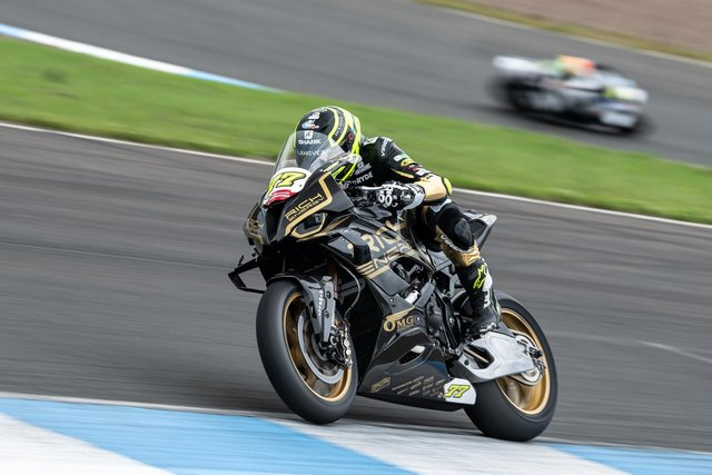 Kyle Ryde action - pic by Michael Hallam