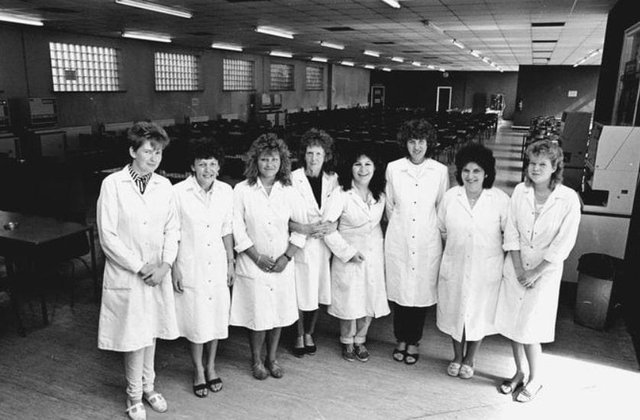 Ten great retro photos of Mansfield Hosiery Mills in the 80s - can you spot anyone you know?