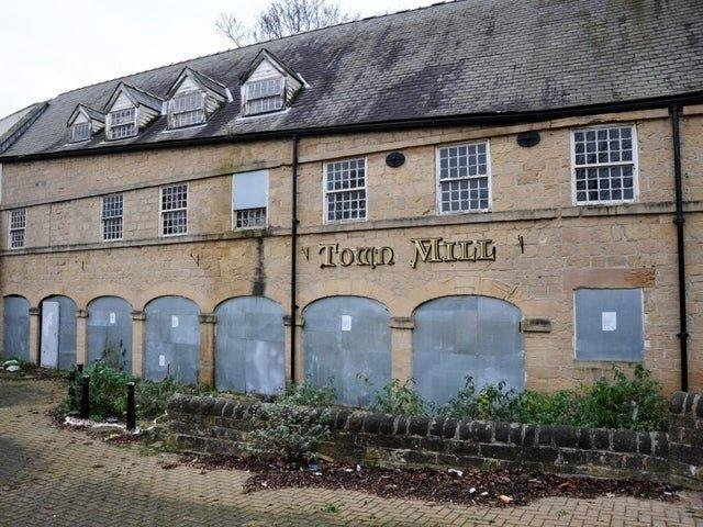 The Town Mill dates back to 1850 when it began life as a water-powered corn mill, before eventually becoming a pub from 1969 to 2010.  It was a firm favourite with locals until it closed it's doors.
