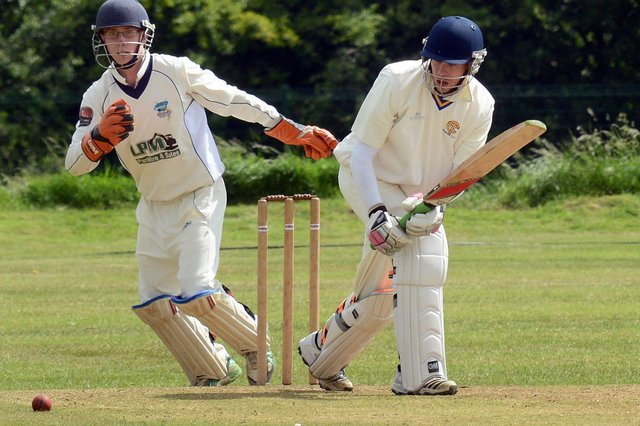 Lee Willis - 44 for Thoresby as they went top.