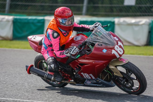 Holly Reeves at Mallory Park - photo by Gunstone Photography