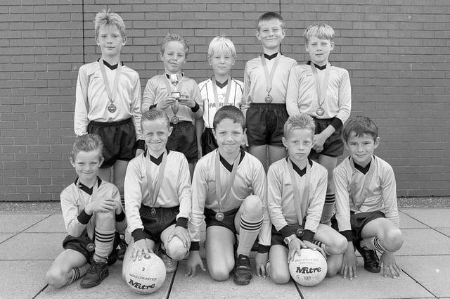 Mansfield's Oak Tree Lane First School football team, pictured here in 1990